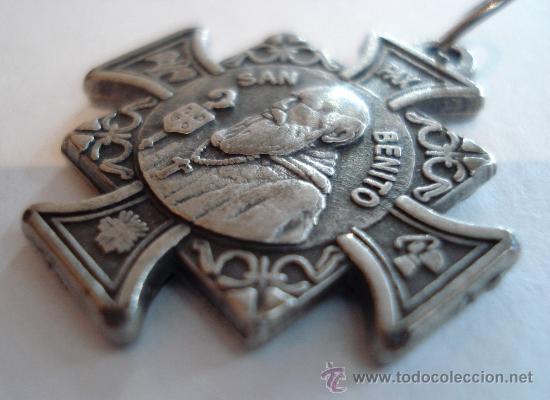 09b86351bb8 Antigua medalla de san benito en plata y alpaca - Vendido en Venta ...