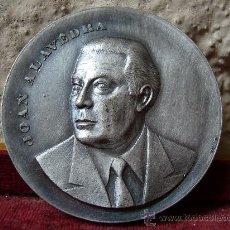 Medallas temáticas: MEDALLA DE JOAN ALAVEDRA 1974 SABADELL. Lote 25060911