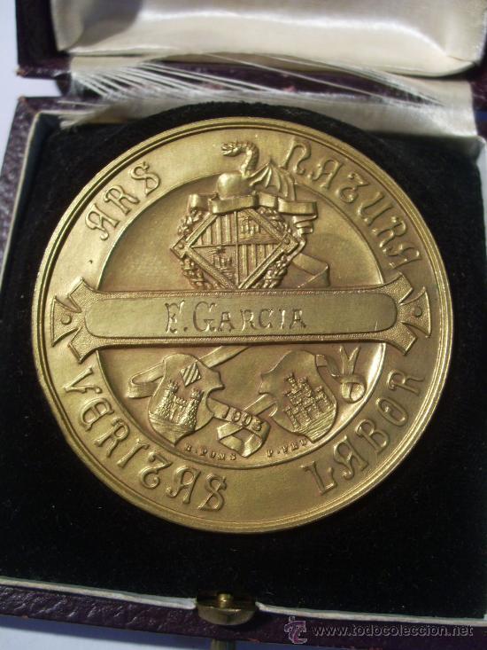 Medallas temáticas: Mallorca. Baleares. Exposición Balear. 1903. Medalla de Oro. Con Estuche. - Foto 3 - 26486092