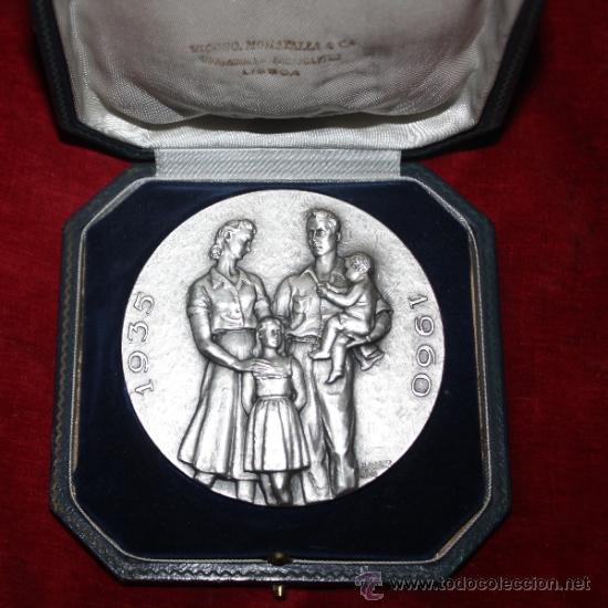 Medallas temáticas: MEDALLON DE PORTUGAL EN SU CAJA FUNDACAO NACIONAL PARA A ALEGRIA NO TRABALHO - Foto 2 - 35517327