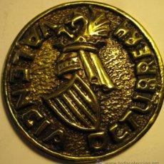 Medallas temáticas: MEDALLA CON ESCUDO DE VALENCIA. OCTUBRE 1984. DIÁM 8 CM. V JORNADAS DE ESTUDIO MUTUAS PATRONALES. Lote 37131775