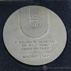 Medallas temáticas: MEDALLA DE LA II REUNION MUNDIAL DE ATLETISMO UNIVERSITARIO, MADRID AÑO 1971, FISU FEDU, MIDE 60 MM . Lote 39053350