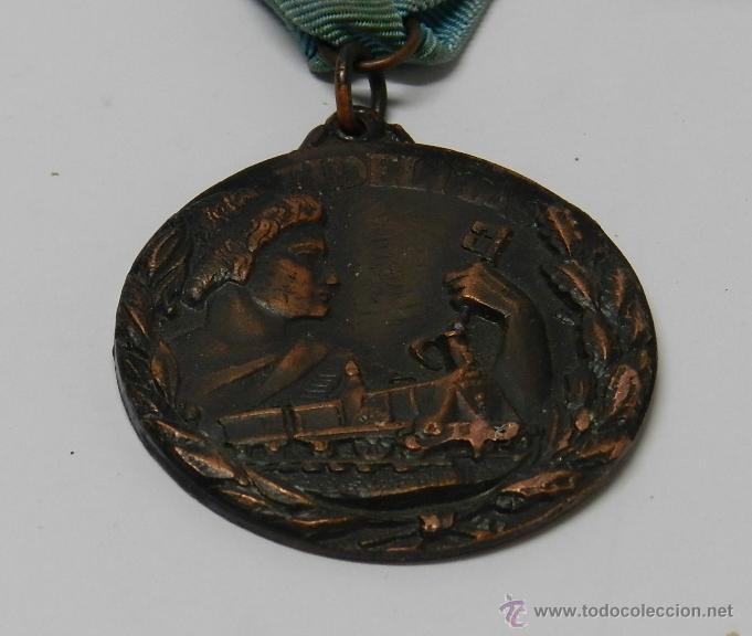 Medallas temáticas: ANTIGUA MEDALLA DE RENFE AL PREMIO FIDELIDAD. BRONCE, RED NACIONAL DE LOS FERROCARRILES ESPAÑOLES, T - Foto 4 - 39383390