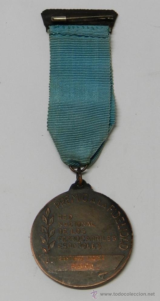 Medallas temáticas: ANTIGUA MEDALLA DE RENFE AL PREMIO FIDELIDAD. BRONCE, RED NACIONAL DE LOS FERROCARRILES ESPAÑOLES, T - Foto 6 - 39383390