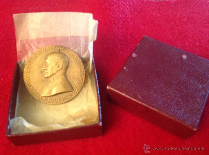 MEDALLA J. BAUTISTA PIRELLI 1848-1932, FÁBRICA PIRELLI DE VILLANUEVA Y LA GELTRU 1902-1952 (Numismática - Medallería - Temática)