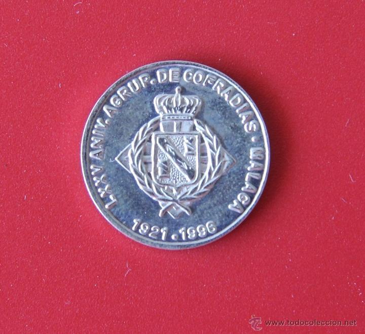 Medallas temáticas: MEDALLA DE PLATA DE LEY COFRADIA DEL CAUTIVO – AGRUPACION COFRADIAS MALAGA – SEMANA SANTA - Foto 2 - 45030197