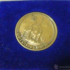 Medallas temáticas: MONEDA CONMEMORATIVA DISNEYLANDIA. Lote 45220119