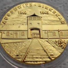 Medallas temáticas: MONEDA ORO 24K ALEMANIA AUSCHWITZ BIRKENAU 1940 - 1945 ARBEIT MACHT FREI CAMPO DE CONCENTRACION. Lote 113987540