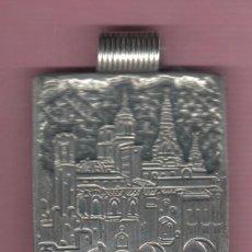 Medallas temáticas: MEDALLA COLGANTE BARCELONA BARRIGOTIC - FIRMA A. BISBE . Lote 47130659