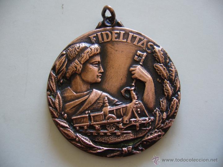 MEDALLA DE LA RENFE FIDELITAS PREMIO A LA FIDELIDAD (Numismática - Medallería - Temática)