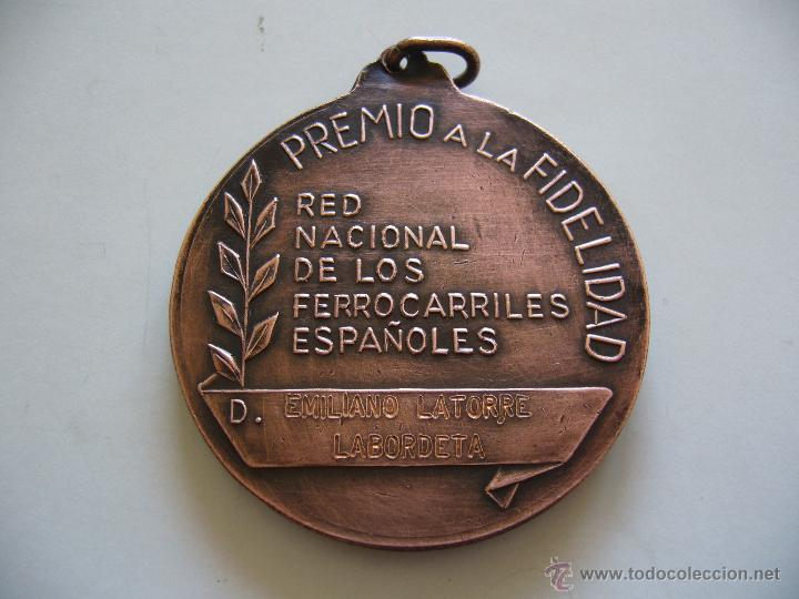 Medallas temáticas: Medalla de la RENFE Fidelitas premio a la fidelidad - Foto 2 - 48237599