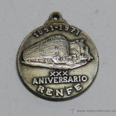 Médailles thématiques: MEDALLA EN PLATA DEL XXX ANIVERSARIO DE RENFE 1941 1971, MIDE 4,2 CMS. DE ALTURA, PESA 20,91 GRAMOS. Lote 48294320