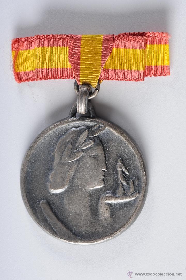 MEDALLA DE PLATA FERIA DE BARCELONA 1949 (Numismática - Medallería - Temática)