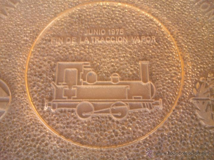 Medallas temáticas: TALLER CENTRAL DE REPARACION VALLADOLID RENFE FIN DE LA TRACCION VAPOR - Foto 2 - 50987828