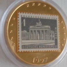 Medallas temáticas: CURIOSA MONEDA ORO 24K ALEMANIA 2,5 EURO CON SELLO EN PARTE TRASERA EN CAPSULA PROTECTORA. Lote 54686015