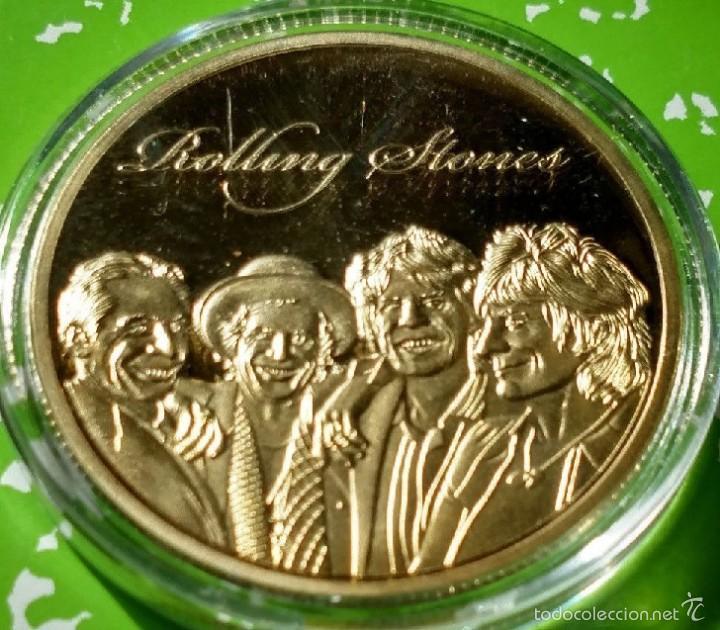 Medallas temáticas: MONEDA DE LOS ROLLING STONES ORO 24KT Y APLICACIONES DE COLOR ESTABLISHED 1962 EN CAPSULA PROTECTORA - Foto 2 - 135287365