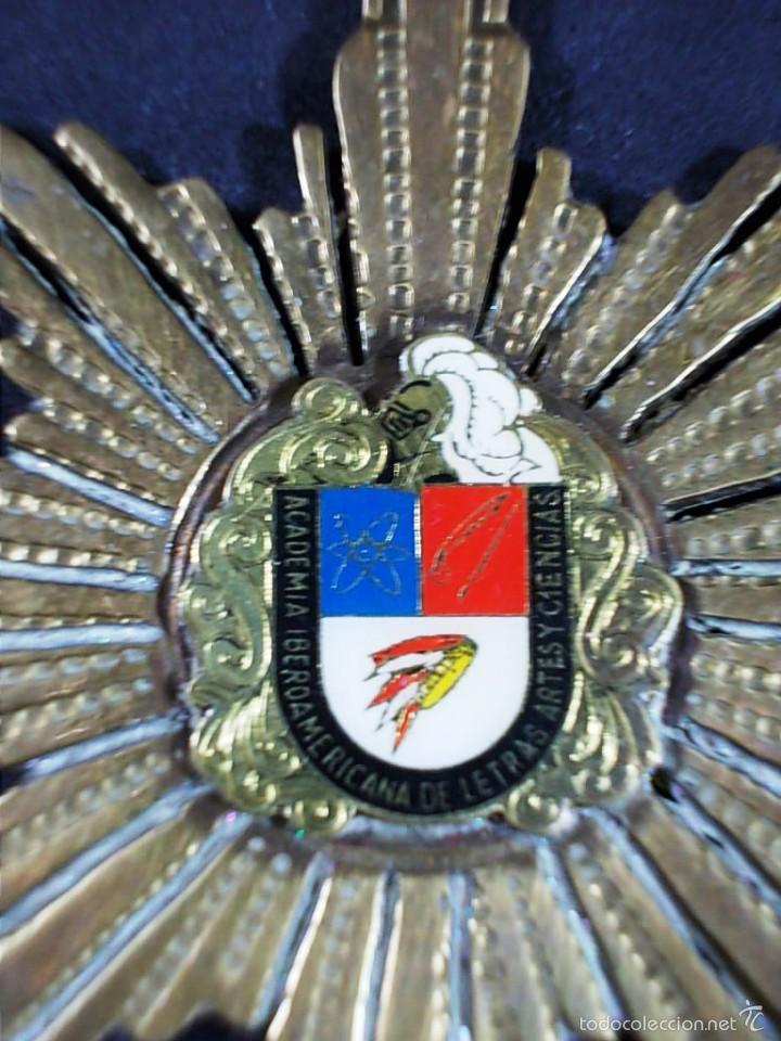 Medallas temáticas: MEDALLA DE LA ACADEMIA IBEROAMERICANA DE LETRAS ARTES Y CIENCIAS. - Foto 2 - 55640021