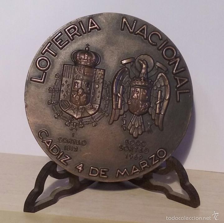 MEDALLA LOTERÍA NACIONAL 1969 CONMEMORATIVA 5000 SORTEOS, 1812-1969 (Numismática - Medallería - Temática)