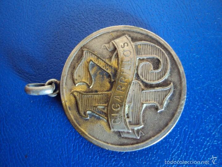 Medallas temáticas: (PUB-1456)Medalla publicitaria de los antiguos cigarrillos 43, al general san martin - Foto 2 - 56293551