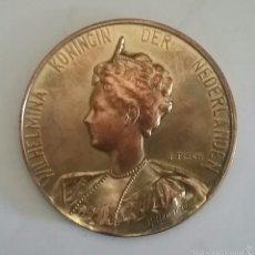 Medallas temáticas: MEDALLA DE WILHELMINA KONINCIN DERECHOS NEDERLANDEN.. Lote 56800288