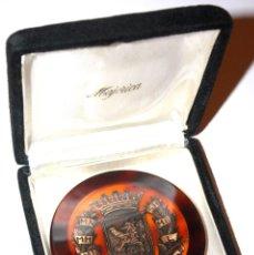 Medallas temáticas: MEDALLA EN PLÁSTICO ESCUDO DE ZARAGOZA. INCRUSTADA EN PLÁSTICO. ESTUCHE. GRAN FORMATO.. Lote 60738291