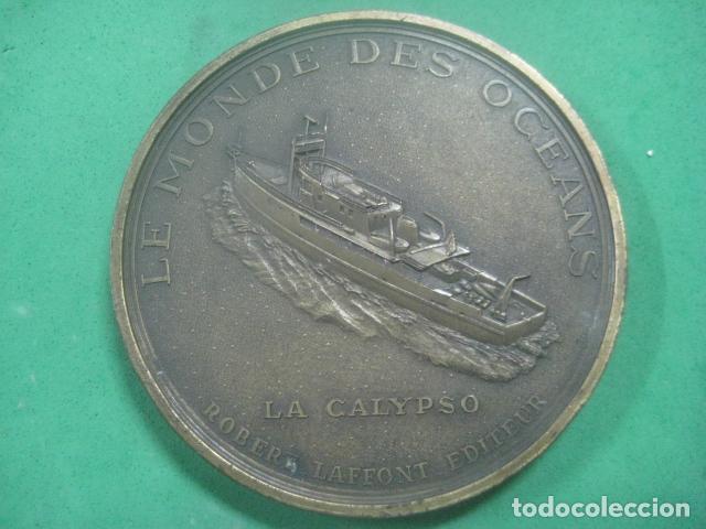 Medallas temáticas: ENORME MEDALLA DE BRONCE CINCELADO DE JACQUES YVES COUSTEAU Y SU BARCO EL CALYPSO, 210 GRAMOS - Foto 2 - 62621360