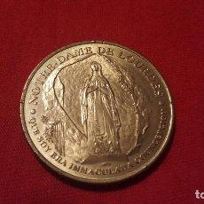 Medaglie tematiches: MONEDA DE METAL NOTRE-DAME DE LOURDES AÑO 2002. Lote 64617103