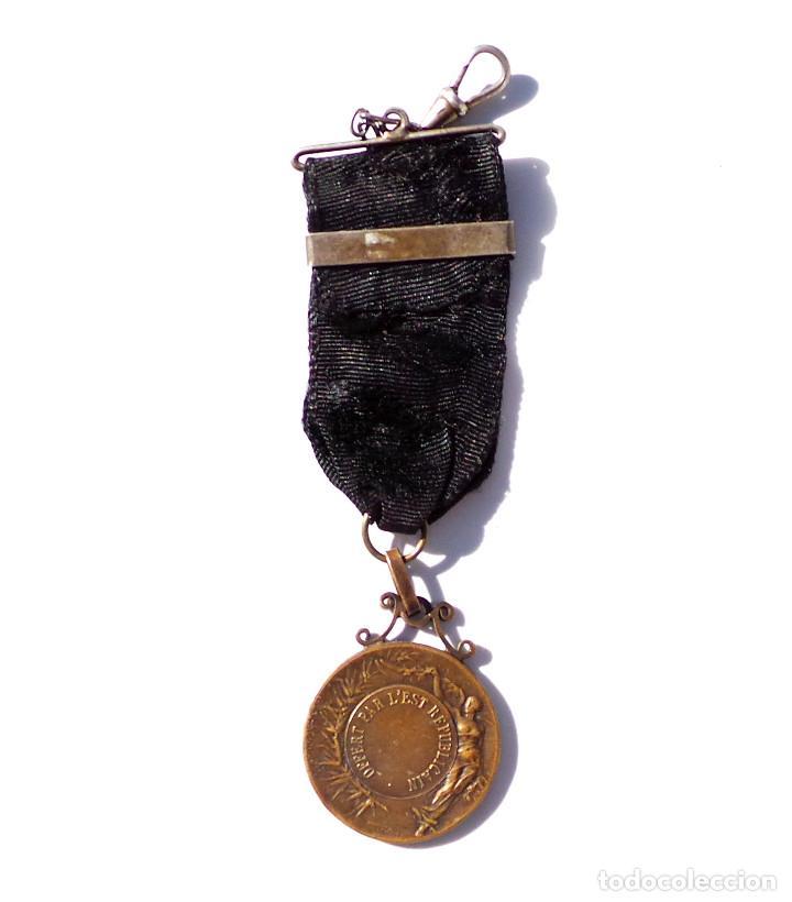 Medallas temáticas: MEDALLA DEPORTIVA - OFFERT PAR L´EST REPUBLICAIN - Foto 4 - 67041150