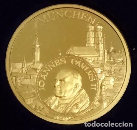MUY BONITA MONEDA DEL PAPA JUAN PABLO II EN SU VISITA A ALEMANIA EN MÜNCHEN AÑO 1980 (Numismática - Medallería - Temática)