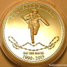 Medallas temáticas: BONITA MONEDA CON UN SOLDADO CONMEMORATIVA AL 25 ANIVERSARIO DE LA UNIFICACION DE ALEMANIA 2015. Lote 69060297