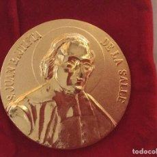 Medallas temáticas: MEDALLA SAN JUAN BAUTISTA DE LA SALLE. Lote 69708605