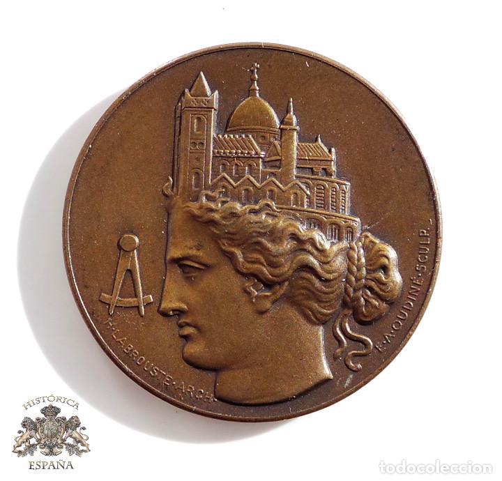 MEDALLA - ARCHITECTES FRANCAIS - SOCIEDAD DE ARQUITECTOS FRANCESES - 3,4 CM DE DIÁMETRO (Numismática - Medallería - Temática)