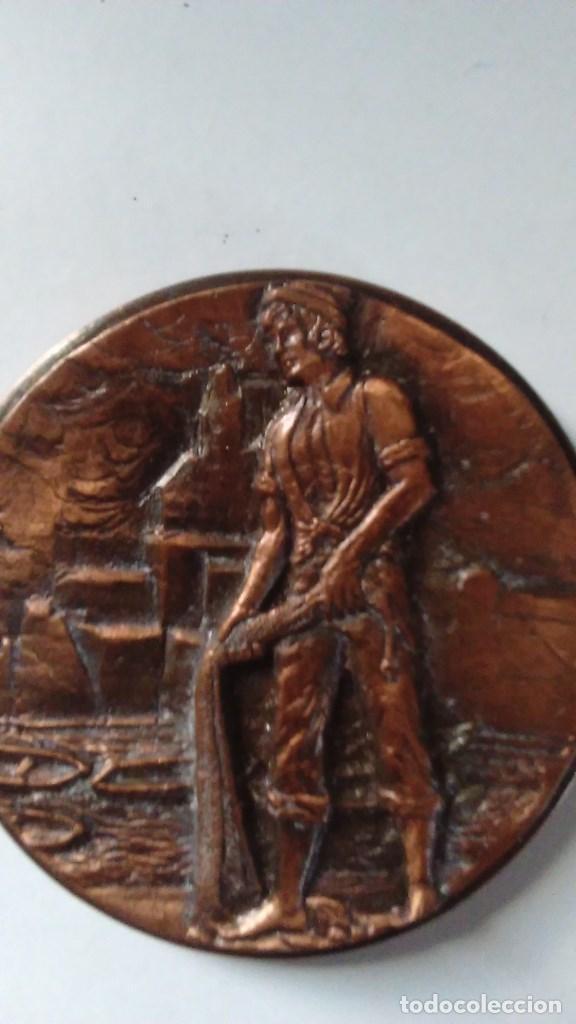 Medallas temáticas: Medalla conmemorativa en bronce de la XIII semana internacional de cine naval y del mar 1984 - Foto 2 - 72019411