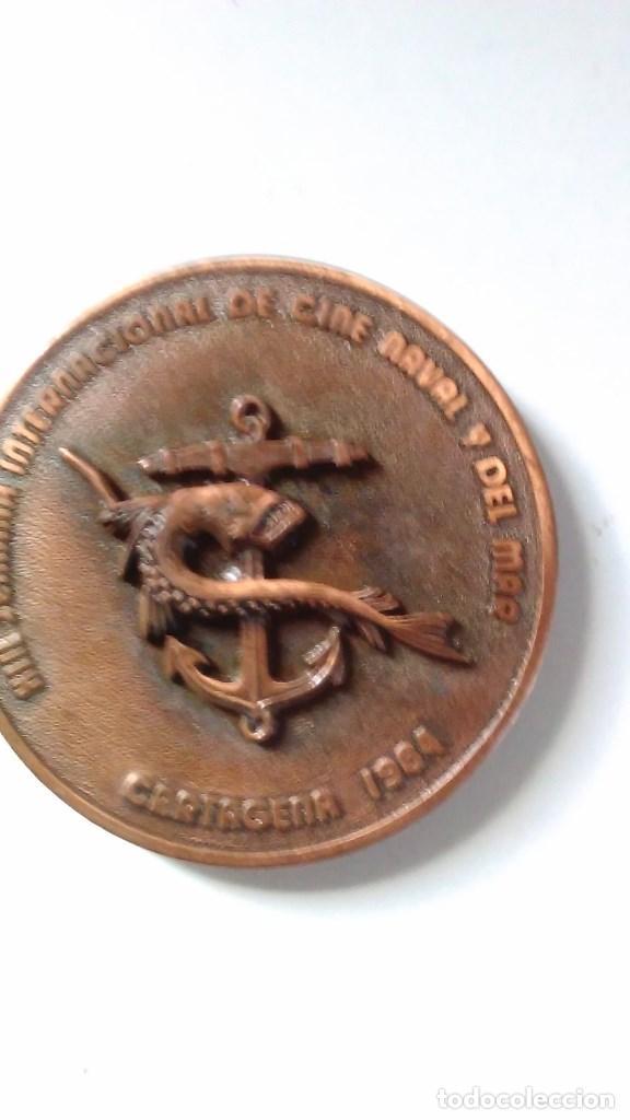 Medallas temáticas: Medalla conmemorativa en bronce de la XIII semana internacional de cine naval y del mar 1984 - Foto 3 - 72019411