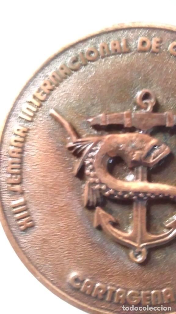 Medallas temáticas: Medalla conmemorativa en bronce de la XIII semana internacional de cine naval y del mar 1984 - Foto 5 - 72019411