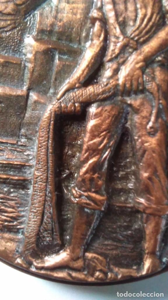 Medallas temáticas: Medalla conmemorativa en bronce de la XIII semana internacional de cine naval y del mar 1984 - Foto 8 - 72019411