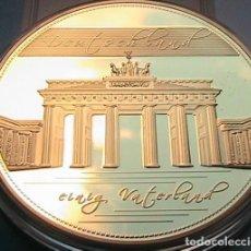 Medallas temáticas: GRAN MEDALLON XXL 70 MM CONMEMORATIVA 1990 A LA REUNIFICACION DE LAS DOS ALEMANIAS. Lote 72353875