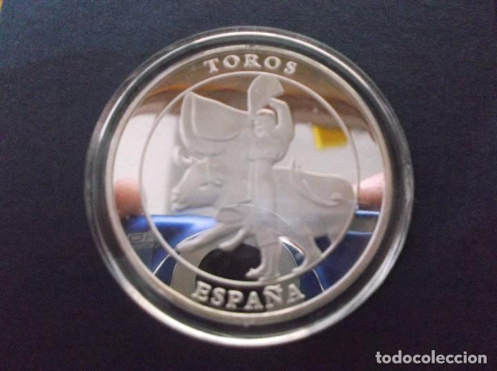 MEDALLA CONMEMORATIVA DEDICADA A LOS TOROS, (Numismática - Medallería - Temática)