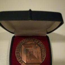 Medallas temáticas: MEDALLA BRONCE DE LA FERIA INTERNACIONAL DE BARCELONA 1980 .GRUESA , 160 GR. 6 CM. DIÁMETRO .. Lote 75407169