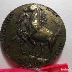 Medallas temáticas: MEDALLA CONMEMORATIVA GRAN PARADA HIPICA - JEREZ - 2000.. Lote 76747635