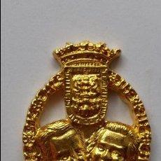 Medallas temáticas: MEDALLA DE LOS DUQUES DE LUGO ,PONE LUGO 5 DE SEPTIEMBRE DE 1995 ELENA Y MARICHALAR 3,3 X 2,3 CMS. Lote 81827260