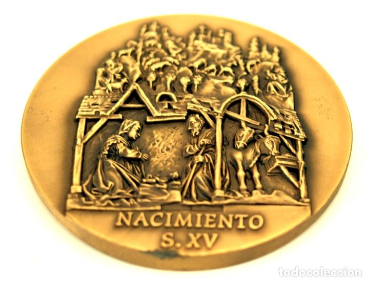 Medallas temáticas: MEDALLÓN CATEDRAL DE LEÓN - BRONCE - ESCULTOR ALVES ANDRÉ - S. XX - Foto 5 - 84617272