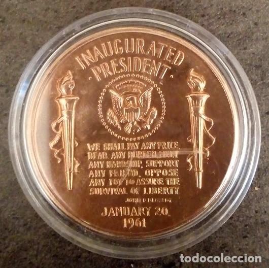 Medallas temáticas: MONEDA CONMEMORATIVA A LA INVESTIDURA PRESIDENCIAL DE JOHN F KENNEDY EN ESTADOS UNIDOS EN 1961 - Foto 2 - 85200568