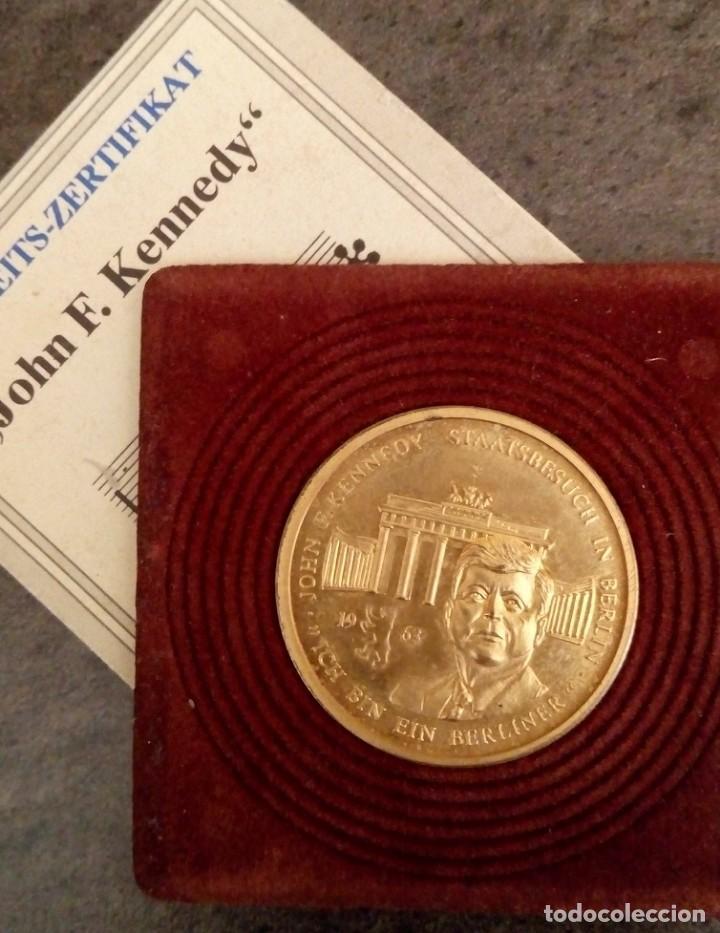 Medallas temáticas: BONITA MONEDA DE JOHN F. KENNEDY 1917 - 1963 CHAPADA EN ORO CON SU CERTIFICADO DE AUTENTICIDAD Y Nº - Foto 3 - 234171740