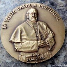 Medallas temáticas: GRAN MEDALLON EN BRONCE MACIZO DE LA PRIMERA VISITA DEL PAPA FRANCISCO A PORTUGAL EDICION LIMITADA. Lote 86529383