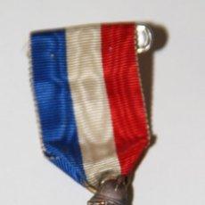 Medallas temáticas: MEDALLA DE MIEMBRO DE HONOR DE LA FEDERACIÓN NACIONAL DE BOMBEROS DE FRANCIA. Lote 89825392