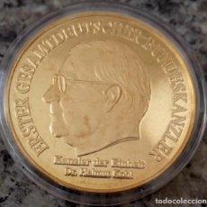 Medallas temáticas: INTERESANTE MONEDA CON ORO DEL CANCILLER ALEMAN HELMUT KOHL RECIENTEMENTE FALLECIDO. Lote 90544130