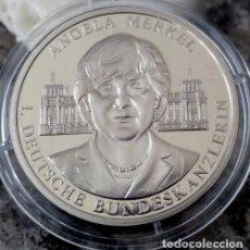 Medallas temáticas: MONEDA PLATA CONMEMORATIVA A LA PRIMERA MUJER CANCILLER DE ALEMANIA ANGELA MERKEL. Lote 90613120