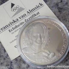 Medallas temáticas: BONITA MONEDA CONMEMORATIVA DE LA NADADORA ALEMANA FRANZISKA VAN ALMSICK CON 10 MEDALLAS OLIMPICAS. Lote 94433386