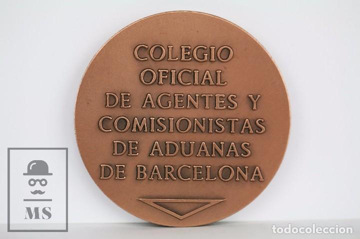 Medallas temáticas: Medalla del Colegio Oficial de Agentes Comisionistas de Aduanas de Barcelona - Diámetro 5 cm - Foto 2 - 95663567